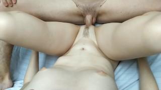 Szőrös nemi szervű csaj és pasija szexeltek